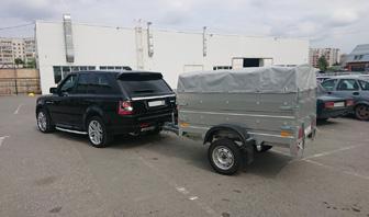 Range Rover с прицепом ССТ 7132-03 для рыбалки и отдыха на природе